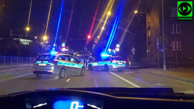 """Nocny pościg. """"Kierujący uderzył w policyjny samochód"""""""