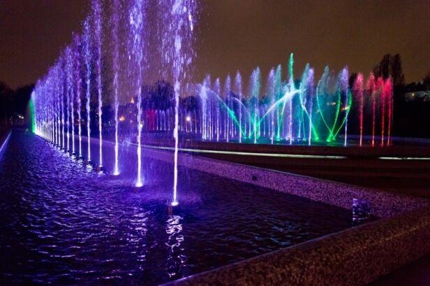 Tak wyglądają fontanny na Podzamczu. Jakie będą na Woli? UM Warszawa