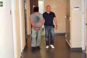 """""""Szarpał za włosy, bił, gryzł"""". Policja o podejrzanym o gwałt"""