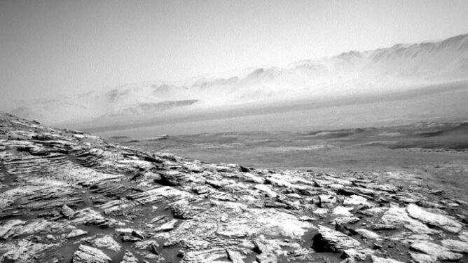 Samotna misja łazika Curiosity trwa. <br />Sfotografował marsjańską mgłę