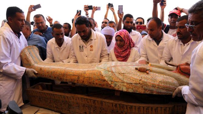 W Egipcie odkryto 30 świetnie zachowanych starożytnych trumien