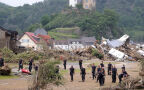 Walka na dwóch frontach. Niemcy walczą z powodzią i pandemią